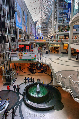 The Eaton\'s Mall, Toronto